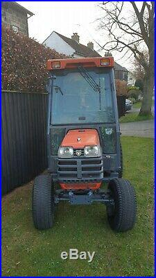 Kubota B2400 Compact Tractor 24hp Cab Road Legal Turf Tyres Hydrostatic